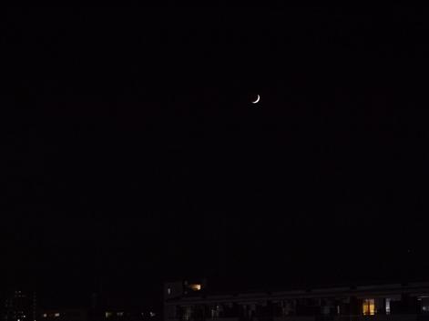 細い月.JPG